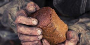 Zenginliğin Kötü Sonuçlarından Sakın Ama Fakirliği İsteme!