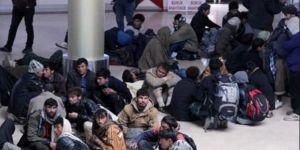 591 Afganistanlı Göçmen Sınır Dışı Edilecek
