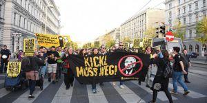 Avusturya'da 'Irkçı Yasa Tasarısı' Protesto Edildi
