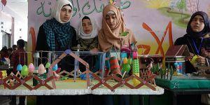 """İdlib'de İlk ve Orta Okul Öğrencilerinden """"Bilim Sergisi"""""""