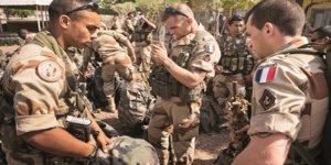 """Hafter Yanlısı Fransa """"Tunus'ta Yakalanan Silahlı Fransızları"""" Açıklamaya Çalışıyor"""