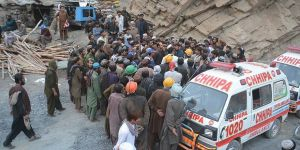 Pakistan'da Madende Patlama: 16 Ölü!