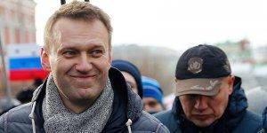 Rusya'da zehirlenen Navalnıy Almanya'daki bir hastaneye nakledildi