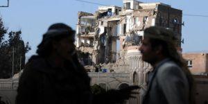 Suudi Arabistan Yemen'deki Cumhurbaşkanlığı Sarayı'nı Vurdu