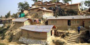 Bangladeş'teki Arakanlılara İHH'dan Güneş Enerjisi Panelleri