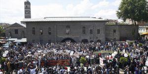 Diyarbakır'da Trump ve Fransa Protesto Edildi