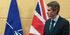 İngiltere Savunma Bakanı: Taliban'la Görüşmemiz Gerek