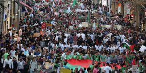 Mavi Marmara Saldırısının 8. Yılında Taksim'de Yürüyüş Düzenlendi
