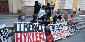 Danimarka'da Burka ve Peçe Yasağı Protesto Edildi