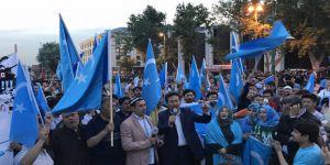 D. Türkistan'da Orucu Yasaklayan Çin'den Türkiye'de İftar