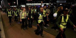 Hollanda'da Mültecilere Destek Olmak İçin Yürüdüler