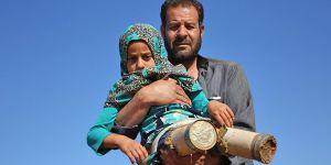 Suriyeli Küçük Kızın Hayali Okula Yürüyerek Gitmek