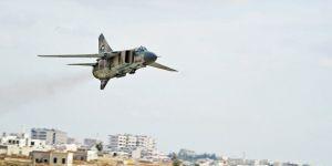 Suriyeli Direnişçiler Dera'da Rejimin Savaş Uçağını Vurdu