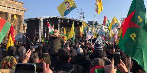 """Almanya YPG İçin """"PKK'nın Uzantısı"""" Dedi"""