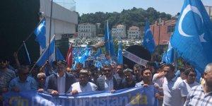 Urumçi Katliamı İstanbul'da Protesto Edildi