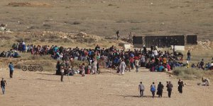 Esed ve Destekçilerinin Saldırılarından Kaçan Deralı Sayısı 350 Bini Aştı