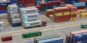 ABD, Çin'den İthal Edilen Ürünlere Ek Gümrük Vergisine Başladı