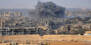 Deyrizor'a Hava Saldırısı: 35 Ölü
