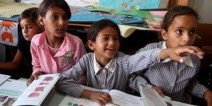 """Filistinli Öğrenciler İsrail Tehdidine """"Erken Eğitimle"""" Direniyor"""