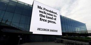 """Trump ve Putin'i Helsinki'de """"Özgür Basın"""" Billboardları Karşıladı!"""