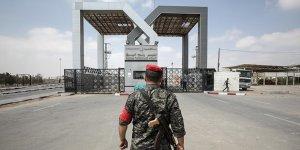 Mısır Cuntası Refah Sınır Kapısı'nı Geçişlere Kapattı!
