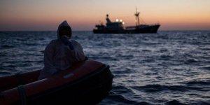 Tunus Açıklarındaki 40 Afrikalı Göçmenin Bekleyişi Sürüyor