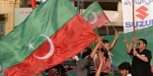 Pakistan'daki Seçimleri 'Adalet Hareketi' Kazandı
