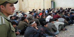 Afgan İşçiler İran'ı Terk Ediyor