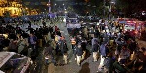 Pakistan'da Polislere ve Çinli Mühendislere Saldırı
