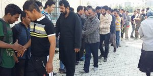 Tatvan Otogarında Bekleyen Mültecilerle Bayramlaşma Gerçekleştirildi