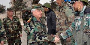 Esed'in Savunma Bakanı'nın Bulunduğu Konvoya Saldırı