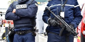 Fransa'da Bıçaklı Saldırı: İki Ölü, Bir Yaralı