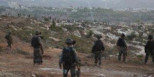 İşgalci Askerler Batı Şeria'da Filistinli Göstericilere Saldırdı!