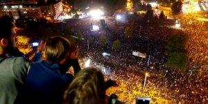 Almanya'da Irkçılık Karşıtı Konsere 65 Bin Kişi Katıldı