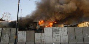 Basra'da Devlet Televizyonu ve Şii Parti Binaları Ateşe Verildi