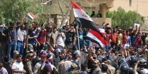 Irak Başbakanı Haydar el-İbadi'nin Basra Ziyaretine Protesto