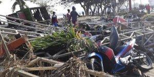 Endonezya'daki Depremde Ölü Sayısı 384'e Yükseldi