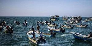 İşgalci İsrail 2 Filistinli Balıkçıyı Gözaltına Aldı