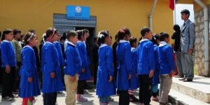 Her Sabah Çocuklarına Askeri Disiplin İçinde Marş Okutan Bir Ülke Olmak!