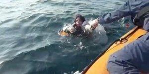 İzmir'de Göçmenleri Taşıyan Tekne Battı: 5 Ölü