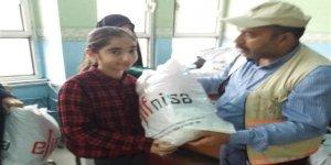 Diyarbakır'daki Yoksul Çocuklara Kışlık Yardımı