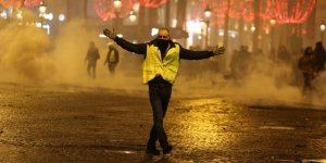 """""""Eylemciler Macron'un İstifasını İstiyor"""""""