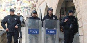 Polis HDP'lilerin Açlık Grevine Müdahale Etti