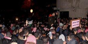 Ürdün'de Göstericiler Hükümetin İstifasını İstiyor