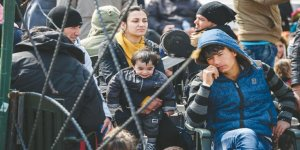 Bir Yıl İçinde 251 Bin 794 Göçmenin Yolu Türkiye'den Geçti
