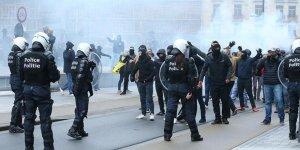 Brüksel'de Irkçı Gösteriye Polis Müdahalesi