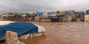 Suriye'de 11 Sığınmacı Kampını Sel Bastı