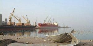 Husilere '3 Yılda 700 Yardım Kamyonunu Alıkoyma' Suçlaması