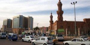 Sudan'da Beşir Taraftarları İlk Kez Meydanlara İniyor