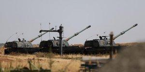 TSK Tel Rıfat'taki YPG'lileri Obüslerle Vurdu